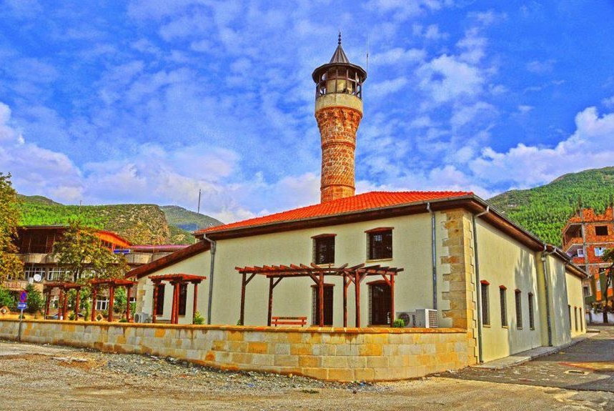 Ağcabey Camii