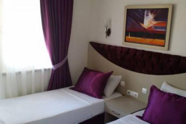 Almena Hotel