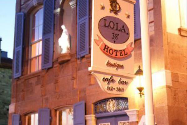 Lola 38 Boutique Hotel