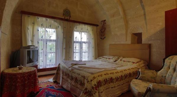 Melek Cave Hotel