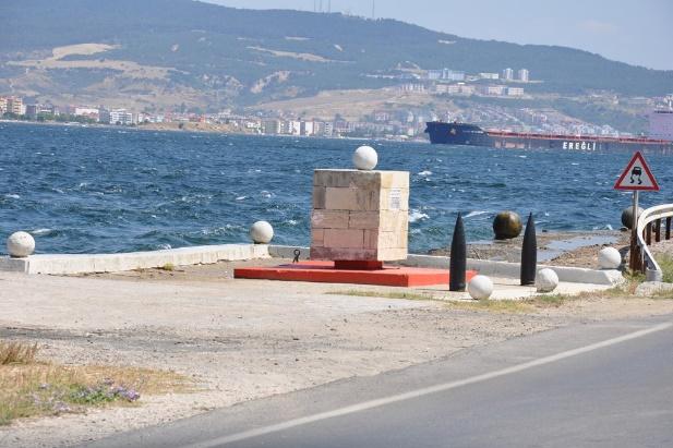 İstihkam Yüzbaşı Tahir Bey Anıtı